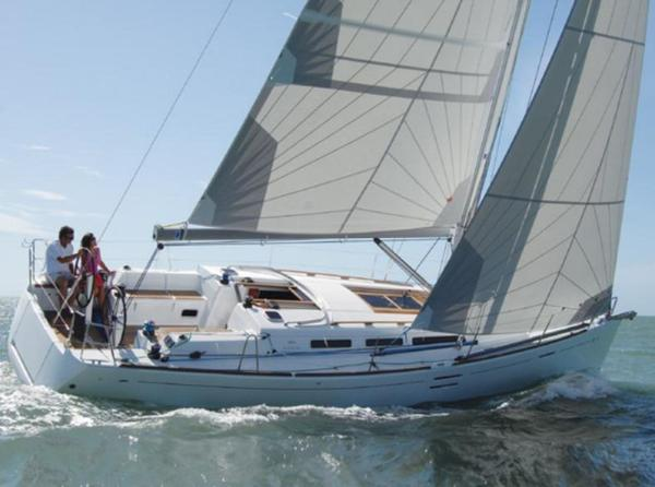New Dufour 40E Performance Racer and Cruiser Sailboat For Sale