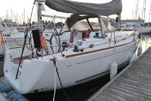 Used Dufour 40e Racer and Cruiser Sailboat For Sale