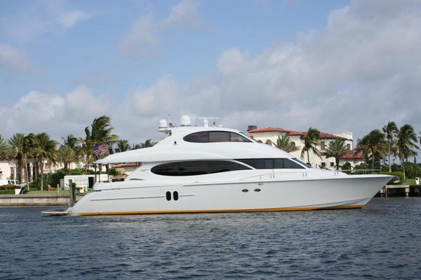 Used Lazzara Yachts 80 Skylounge Motor Yacht For Sale