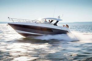 New Cruisers Yachts Express Coupe Express Cruiser Boat For Sale