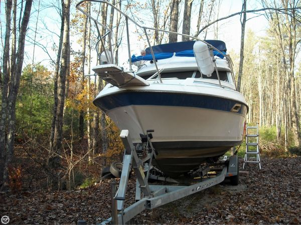 Used Bayliner 2560 Convertible Express Cruiser Boat For Sale