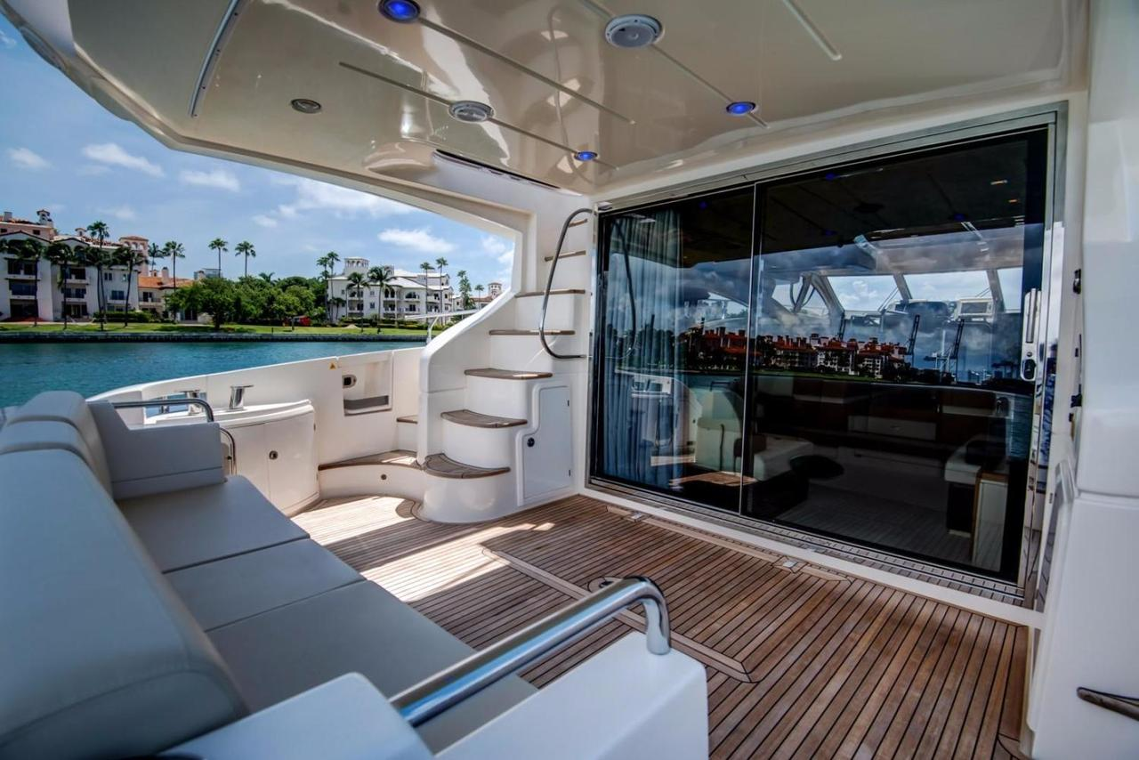 2012 Used Azimut Motor Yacht For Sale 1 095 000 Miami