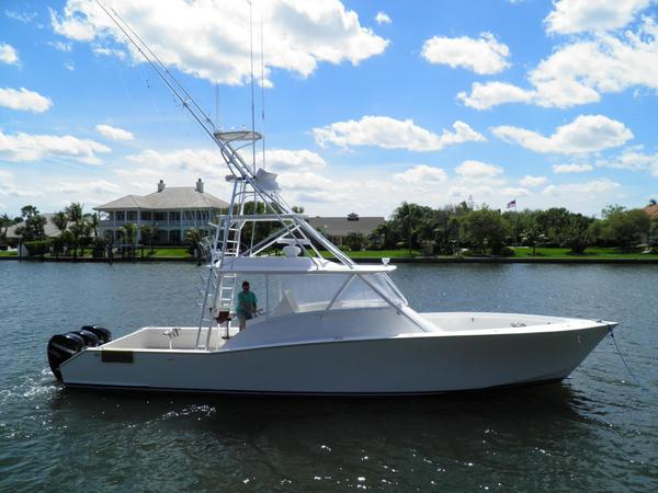 Used American Custom Yachts 42 Walk Around Sports Fishing Boat For Sale