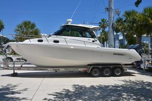 Used Everglades 320 Express with 2015 Yamahas Sports Fishing Boat For Sale