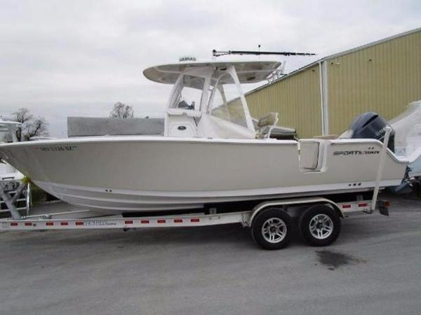 Used Sportsman Open 252 Center Console Fishing Boat For Sale