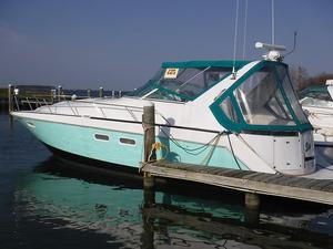 Used Chris-Craft Continental Cruiser Boat For Sale