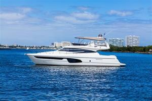 Used Ferretti 650 Flybridge Boat For Sale