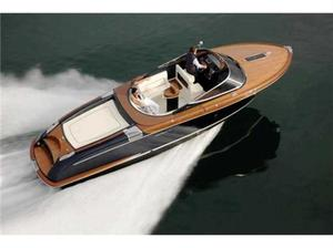 Used Riva 33' Aquariva Super Cruiser Boat For Sale