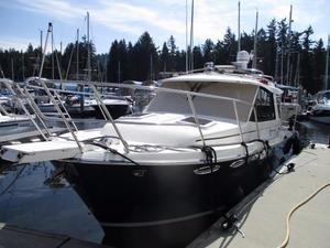 Used Cutwater 28 Cruiser Boat For Sale
