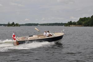 New Vanquish 24R Sports Cruiser Boat For Sale