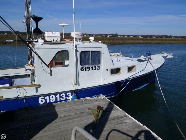 Used Bruno & Stillman 32 Pilothouse Boat For Sale