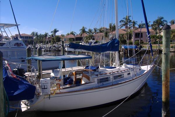 Used Sabre 34 Sloop Sailboat For Sale