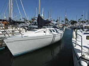 Used Beneteau 35 S5 Racer and Cruiser Sailboat For Sale