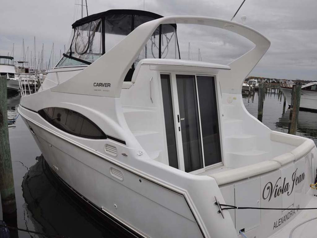 2002 Used Carver 350 Mariner Motor Yacht For Sale