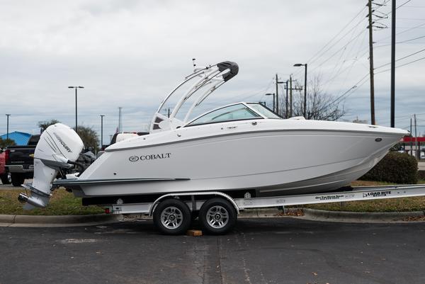 New Cobalt 23 SC Bowrider Boat For Sale