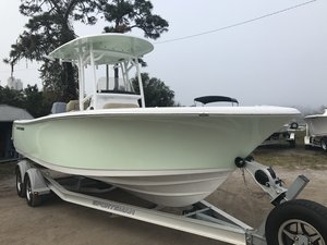 New Sportsman Boats 231 Heritage Center Console Fishing Boat For Sale