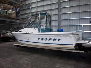 Used Trophy 2352 WA Sports Fishing Boat For Sale