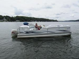 Used Manitou 24 Oasis SHP TRI Toon Pontoon Boat For Sale
