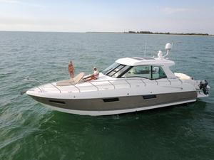 Used Cruisers Yachts 48 Cantius Sports Cruiser Boat For Sale