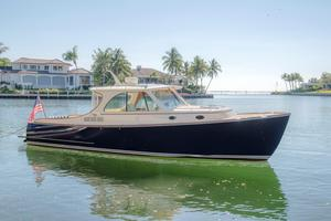 Used Hinckley Talaria 34 Express Cruiser Boat For Sale