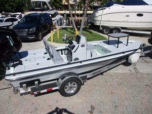 Used Maverick 17 HPX Carbon Kevlar Sports Fishing Boat For Sale