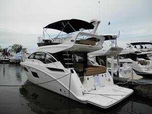 New Sea Ray Fly 400 Motor Yacht For Sale
