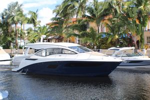New Sea Ray Sundancer 400 Motor Yacht For Sale