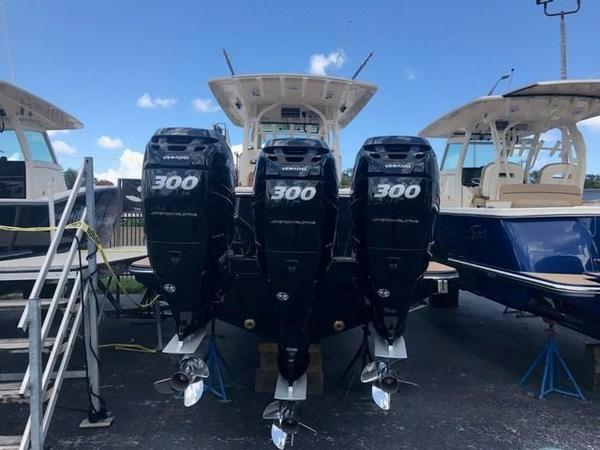 New Scout 350 LXF Center Console Fishing Boat For Sale