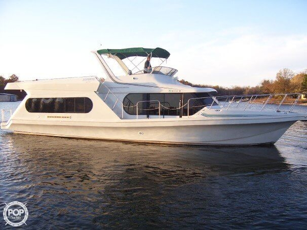 Used Bluewater Yachts 543 LE House Boat For Sale