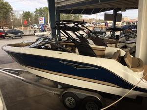 New Sea Ray SLX 250 High Performance Boat For Sale