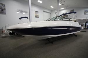 New Sea Ray SDX 240 Bowrider Boat For Sale