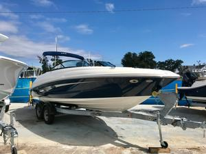 New Sea Ray SDX 240 OB Bowrider Boat For Sale