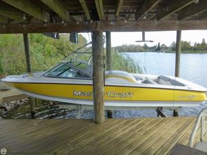 Used Mastercraft Prostar 197 Ski and Wakeboard Boat For Sale