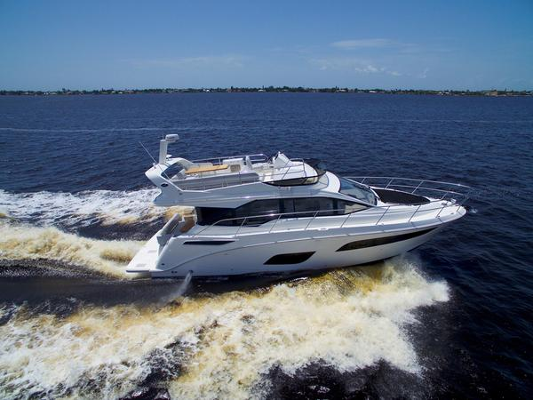 New Sea Ray Fly 460 Motor Yacht For Sale