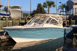 New Grady-White Freedom 335 Sports Fishing Boat For Sale