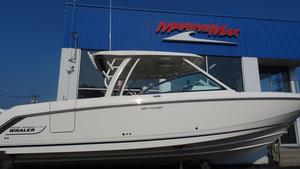 New Boston Whaler 320 Vantage Sports Fishing Boat For Sale