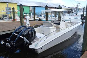 New Boston Whaler 27 Dauntless Sports Fishing Boat For Sale