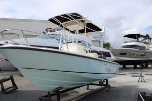 New Boston Whaler 190 Outrage Sports Fishing Boat For Sale