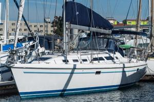 Used Catalina 380 Racer and Cruiser Sailboat For Sale