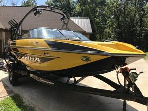 Used Moomba 20 Mondo Ski and Wakeboard Boat For Sale