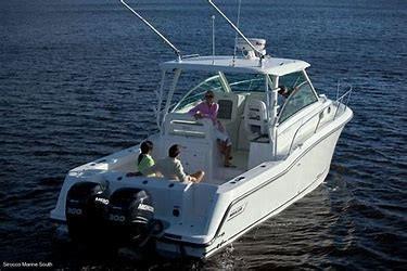 New Boston Whaler Walkaround Fishing Boat For Sale