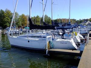 Used Beneteau First 285 Cruiser Sailboat For Sale