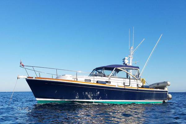 Used Grand Banks Eastbay 38 EX Express Cruiser Boat For Sale