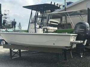 Used Pathfinder 2200 Tournament Edition Center Console Fishing Boat For Sale