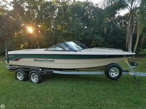 Used Mastercraft 205 ProStar Ski and Wakeboard Boat For Sale