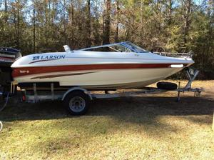 Used Larson SEI186 Fish & Ski Bowrider Boat For Sale