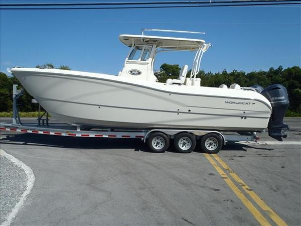 New World Cat 295 Center Console Power Catamaran Boat For Sale