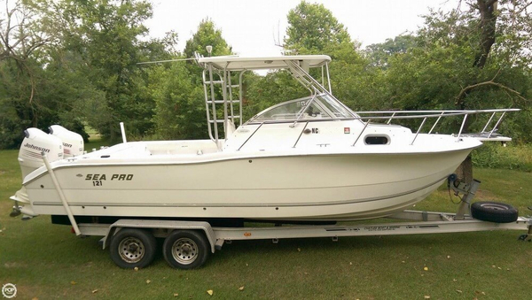 Used Sea Pro 255 WA Walkaround Fishing Boat For Sale