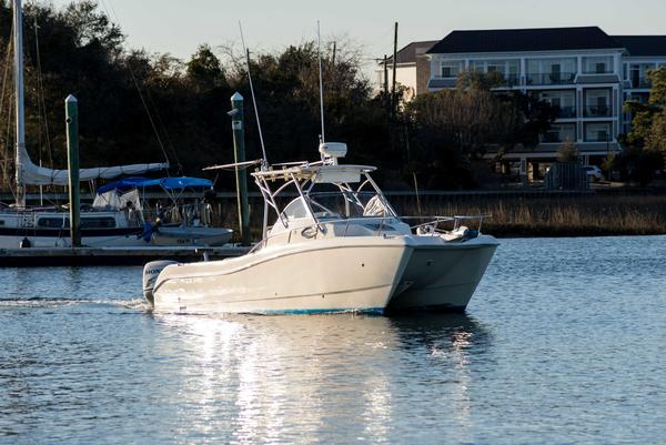 Used World Cat 270 EC Saltwater Fishing Boat For Sale
