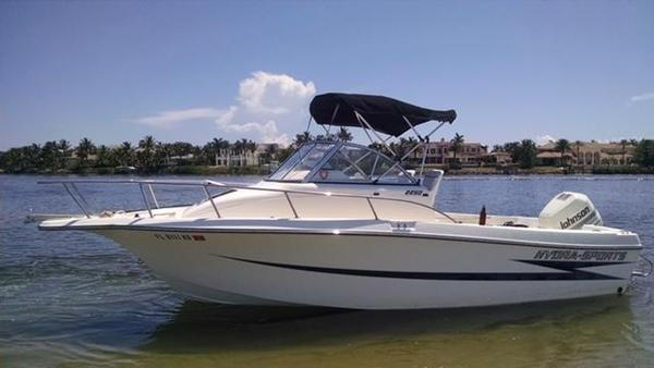 Used Hydra-Sports HSX2220 Walkaround Fishing Boat For Sale